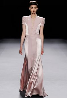 Jenny Packham FW 12/13 ... even more lovely with Julianne Hough's curves   http://pinterest.com/pin/49610033367270548/