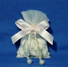 koufeta in a lace bag