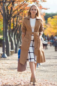 Autumn in suede Beige Coat, Work Skirts, Dressed To The Nines, Plaid Skirts, Dress Me Up, White Tops, Michael Kors Jet Set, Nice Dresses, Autumn Fashion