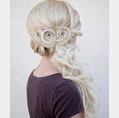 Side swept hair with pin curls ~ we ❤ this! moncheribridals.com