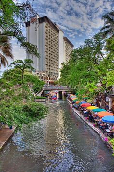 Stay on the RiverWalk - Hilton Hotel, San Antonio, Texas Oh The Places You'll Go, Great Places, Places To Travel, Beautiful Places, Texas Travel, Travel Usa, Picasso, Hilton Worldwide, Viajes