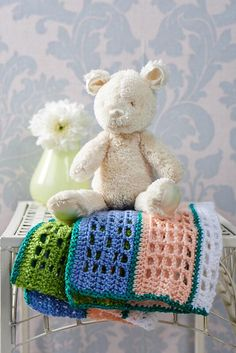 Crochet Patterns Using Sweet Roll Yarn : ... hands on the yarn and pattern to make this sweet crochet baby blanket