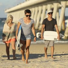 Almost there.... #weekendvibes #surfinglife #skategirls #hottie #retrofish #foamandfibreglass #grabrail #longboardcruiser #longboardgirls #lovelife #beachfront #merrmaidbeach #miami #suntan #goldenbrown #goldcoast #nobbys #burleighheads #snapperrocks by shadow_skates