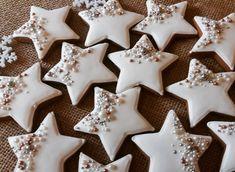 Star Sugar Cookies, Sprinkle Cookies, Christmas Sugar Cookies, Christmas Desserts, Holiday Treats, Christmas Treats, Christmas Baking, Decorator Frosting, Christmas Biscuits