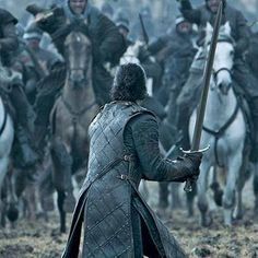 Game of Thrones unveils 8 Battle of the Bastards war photos http://shot.ht/1Yskn7I @EW