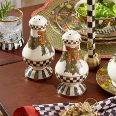 b995360076d4 Dress your home for the holiday season in fabulously festive creations