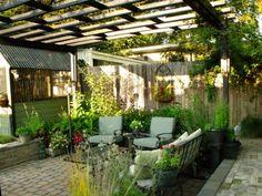 100 Bilder zur Gartengestaltung – die Kunst die Natur zu modellieren - sitzecke im freien untraditionelles sonnendach