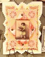 Such a cute, vintage frame, licensing the patterns!