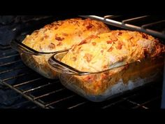 In this video I'll show you a delicious recipe for bacon cheddar bread. Cheddar, Bacon, C'est Bon, Four, Yummy Food, Bread, Paradis, Chicken, Breakfast