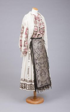 Goldstein Museum of Design Folk Embroidery, Embroidery Dress, Embroidery Designs, European Costumes, Costumes Around The World, European Dress, Ethnic Outfits, Doll Costume, Historical Costume