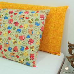 Fronhas Corujas Paz e Amor e Linho Amarelo: fofura e cor na decoração do quarto!
