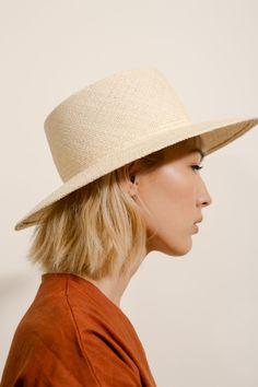 Blonde Tousled Short Hair and Straw Hat Turbans, Natural Weave, Quoi Porter, Vogue, Fuchsia, Clutch, Headgear, Spring Summer Fashion, Winter Fashion