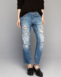 #denims #denim #jeans #indigo #fashion #fashionblogger #fashiongram #fashionlove #trend #style #fashiondiaries #outfit #denimlover #instafashion #bluejeans #womensfashion #distressed #details #embroidery #embelishment #denimoutfit #denimaddicted #styleblog #denimlife #outfitoftheday #inspration #instafashion #denimwash