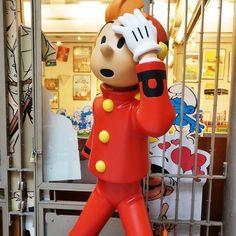 See 822 photos and 92 tips from 6811 visitors to Belgisch Stripmuseum / Centre Belge de la Bande Dessinée / Belgian Comic Strip Center. Morris, Art Mural, Comic Strips, Tigger, Four Square, Museum, Comics, Disney Characters, Centre