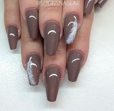 Food for moistureless, fragile Nails Feather Nail Designs, Feather Nail Art, Acrylic Nail Designs, Nail Art Designs, Nails Now, Love Nails, Classy Nails, Fancy Nails, Pretty Nail Colors