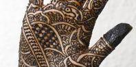 Homemade Henna Ink Make Fake Tattoos, Homemade Henna, Henna Paint, Honey And Cinnamon, Tatoos, Artsy, Crafty, My Style, Creative