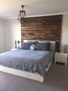 Timber feature walls in a bedroom - Artisan Two board panels by Northern Rivers Recycled Timber Timber Beds, Timber Walls, Timber Bedhead, Wood Walls, Master Bedroom Wood Wall, Feature Wall Bedroom, Timber Feature Wall, Feature Walls, Cabana