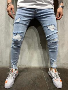 Shop modern and trendy jeans for men. Ripped, distressed, stonewashed, embroidered, and zipper jeans. Light Blue Ripped Jeans, Ripped Jeans Style, Ripped Skinny Jeans, Skinny Fit, Men Street Look, Street Style, Streetwear Jeans, Mode Jeans, Men's Jeans