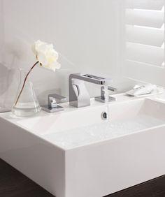 Die Badarmaturen der Reihe KH von Crosswater, kreiert von der Designerin Kelly Hoppen, verbinden elegante Ästhetik mit funktionellem Design. www.yesbadezimmer.de