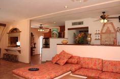 The living area in Villa Umaki Ha.