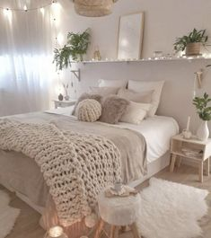 Cute Bedroom Ideas, Cute Room Decor, Room Ideas Bedroom, Home Decor Bedroom, Bedroom Inspo, Diy Bedroom, Bedroom Inspiration, Teen Bedroom Designs, White Bedroom Decor