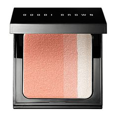 A limited-edition blush compact that leaves the complexion with a soft, pearly hue.