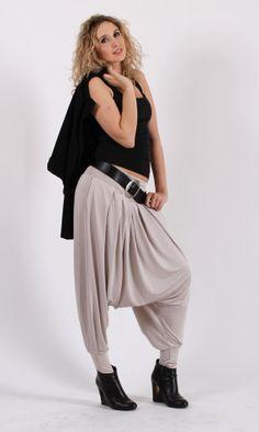 Elegant comfortable harem pants / black di Ladeesseclothing, $93.00