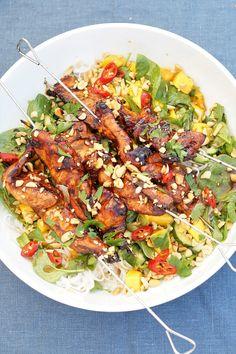 Paella, Chili, Food And Drink, Ethnic Recipes, Cilantro, Chile, Chilis