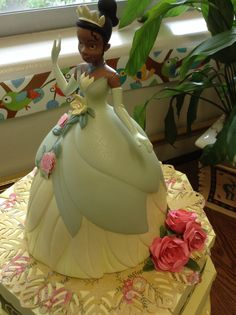 Tiana birthday paper cake