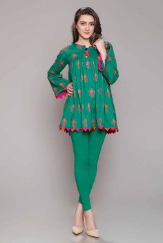 Rang Ja Pret 2017 Collection Eid Festival, Rang Ja summer collection has launched recently in april summer Comes in Pakistan for a long time. Girls Dresses Sewing, Stylish Dresses For Girls, Stylish Dress Designs, Designs For Dresses, Simple Dresses, Casual Dresses, Pakistani Fashion Casual, Pakistani Dresses Casual, Pakistani Dress Design