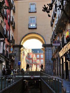Plaza Mayor. Entrada desde la Calle Mayor