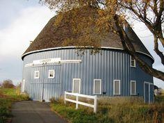 a round blue barn