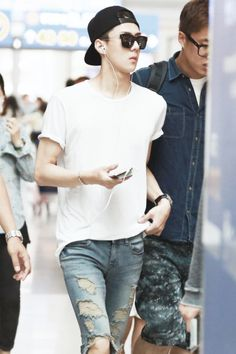 Oh Sehun (airport fashion)