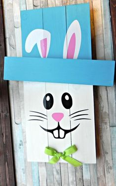 Reversible Pallet Home Decor Scarecrow Snowman Easter Bunny Leprechaun (Pick Reversible Pallet Home Decor Scarecrow Snowman Easter Pallet Home Decor, Pallet Crafts, Diy Pallet Projects, Crafts For Teens To Make, Easter Crafts For Kids, Crafts To Sell, Easy Crafts, Spring Crafts, Holiday Crafts