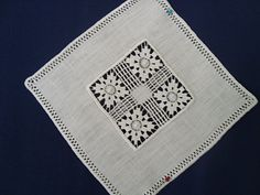 Broderie de Cilaos Hardanger Embroidery, White Embroidery, Vintage Embroidery, Beaded Embroidery, Hand Embroidery, Tenerife, Drawn Thread, Thread Work, Needle Lace
