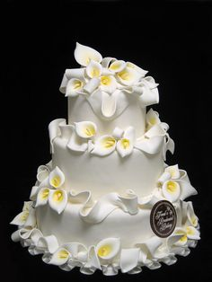 #yellow wedding cake ... Wedding ideas for brides & bridesmaids, grooms & groomsmen, parents & planners ... https://itunes.apple.com/us/app/the-gold-wedding-planner/id498112599?ls=1=8 … plus how to organise an entire wedding, without overspending ♥ The Gold Wedding Planner iPhone App ♥