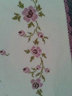 This Pin was discovered by Hül Cross Stitch Borders, Cross Stitch Flowers, Cross Stitch Designs, Cross Stitching, Cross Stitch Embroidery, Cross Stitch Patterns, Palestinian Embroidery, Bargello, Needle And Thread