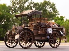 1912 International Harvester M-W Delivery Car - A parade vehicle with abundant character Vintage Trucks, Old Trucks, Chevy Trucks, Pickup Trucks, Toyota Trucks, Classic Trucks, Classic Cars, International Harvester, Old Cars