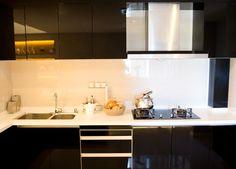 muebles sin tiradores para esta moderna cocina