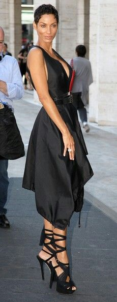 Nicole Murphy - (When you can rock black like this, that's StyleEyezing!) e-c-n