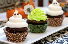Love these Halloween cupcakes
