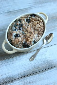 Making this tomorrow for breakfast. Baked oatmeal for one: blueberry and almonds in it yummmyyy