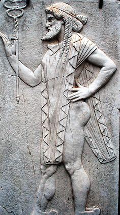 Herculaneum - Sacello di Venere 1 A carving in the Sacello di Venere temple c79AD