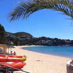 Comença el cap de setmana #aRoses! - Empieza el fin de semana en Roses - #inCostaBrava . #Descobreixcatalunya #catalunyaexperience #Costabrava #almadrava #empordaturisme #poblescatalans #kayak #visitspain #igersgirona #igersspain #playa