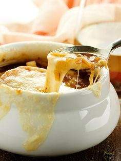 This French Onion Soup Recipe is the perfect appetizer for two! A flavorful beef and onion broth is topped with baguette, parmesan, and gooey swiss cheese! Onion Soup Recipes, Easy Soup Recipes, Quick Dinner Recipes, Gourmet Recipes, Cooking Recipes, Onion Soups, Diner Recipes, Cooking For Two, Meals For Two