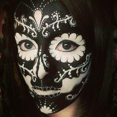 Sugar Skull ~ Black / White