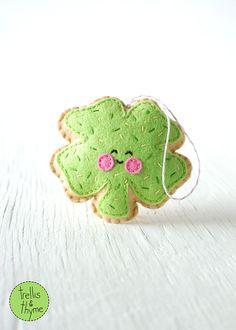 PDF Pattern - Sugar Cookie Shamrock, St. Patrick's Day Ornament Pattern, Kawaii Softie Sewing Pattern, Felt Ornament Pattern