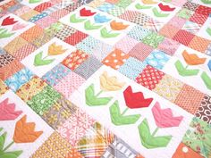 How adorable is this tulip quilt from Lori Holt's new book, #QuiltyFun