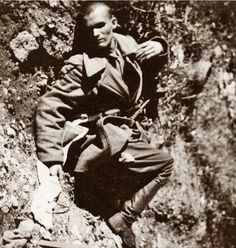 Soviet soldier who died before having the chance to use the white flag of surrender he is still clutching, undated.