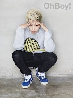 BamBam just looks so perfect with da blond hair:3